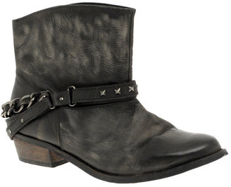 Carvela Sprint Flat Ankle Boot - Get This Look-Jessica Alba