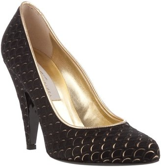 STELLA MCCARTNEY - Fish scale detail shoe - Dress Like Jenny Humphrey
