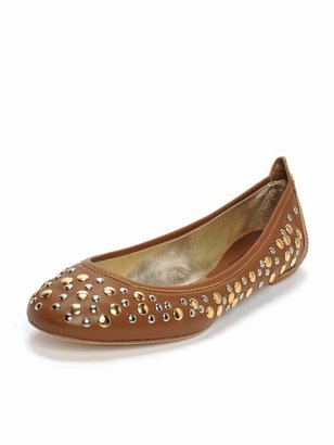 Shoebox Stud Flat - Flats