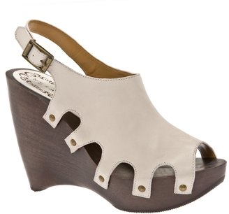 N.y.l.a. Lukas Clog - Chic and Easy Clogs